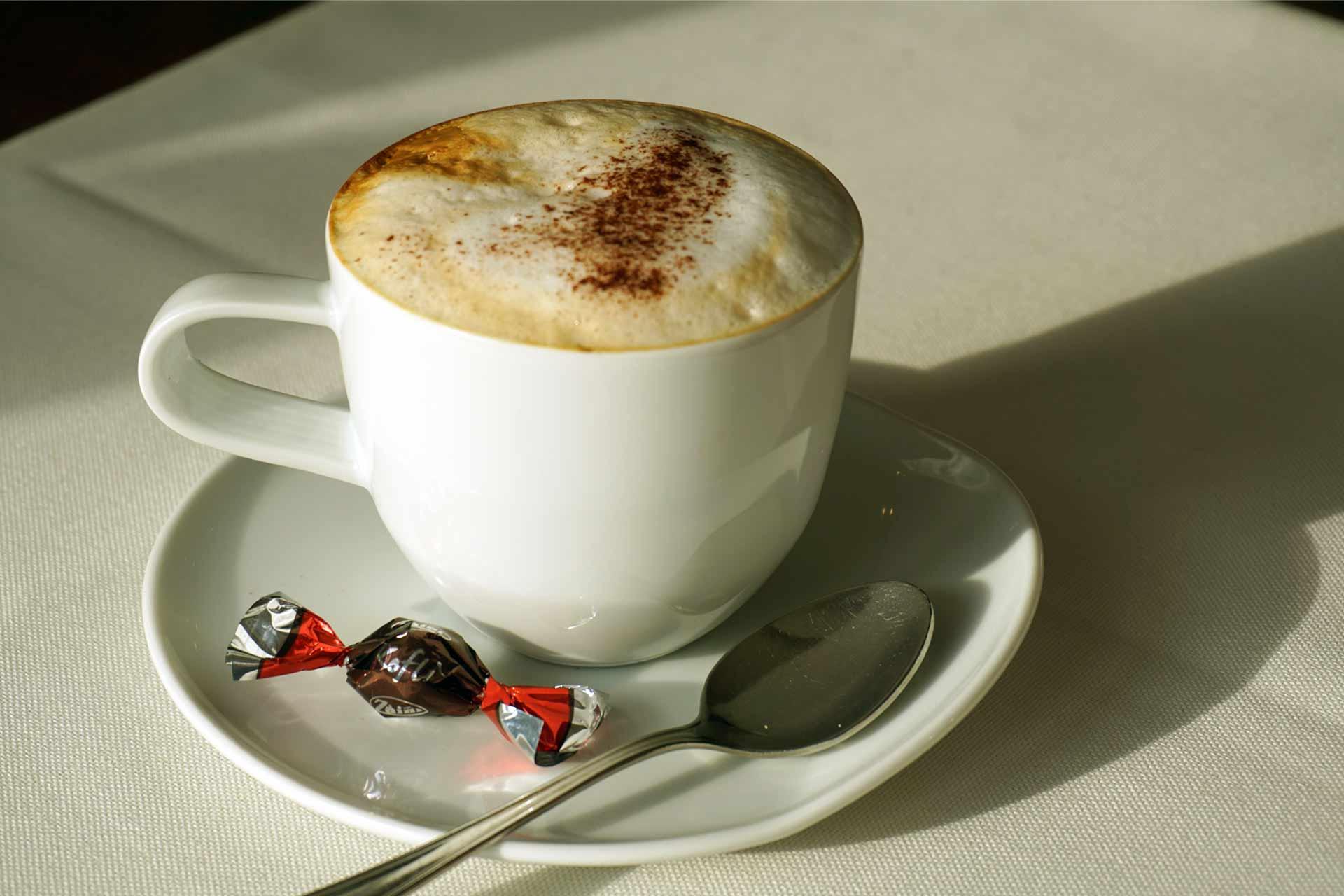 Heiße Getränke   KULINARI Restaurant Café